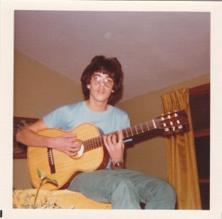 photo2 – Meleti - Classical guitar 1976